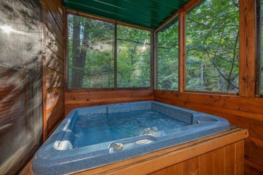 Photo of a Gatlinburg Cabin named Firefly Ridge - This is the twenty-first photo in the set.