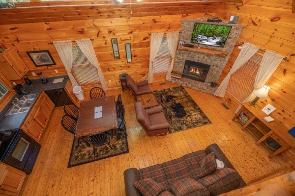 Photo of a Gatlinburg Cabin named Firefly Ridge - This is the tenth photo in the set.