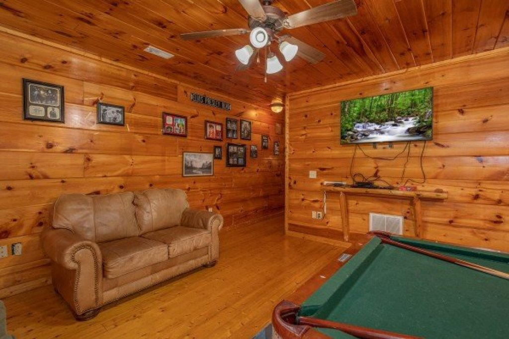 Photo of a Gatlinburg Cabin named Firefly Ridge - This is the seventeenth photo in the set.