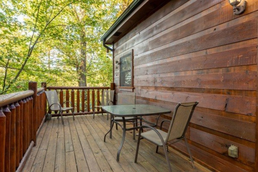 Photo of a Gatlinburg Cabin named Firefly Ridge - This is the thirteenth photo in the set.