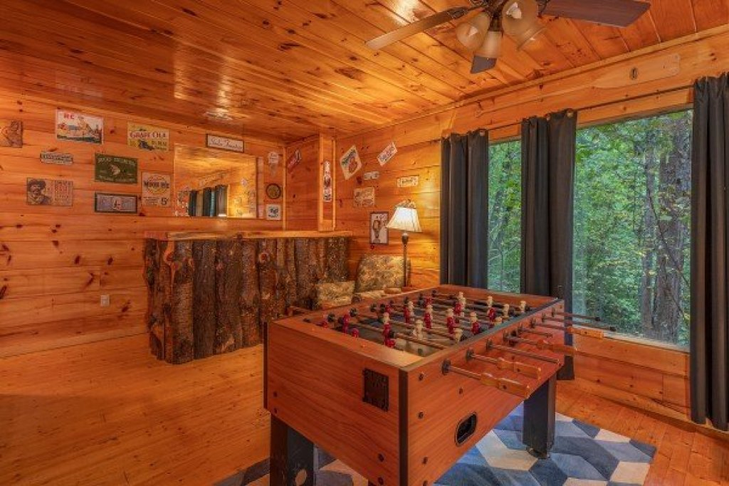Photo of a Gatlinburg Cabin named Firefly Ridge - This is the nineteenth photo in the set.