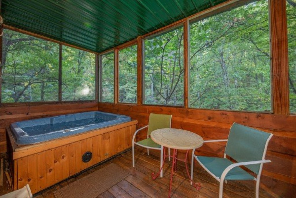 Photo of a Gatlinburg Cabin named Firefly Ridge - This is the twentieth photo in the set.