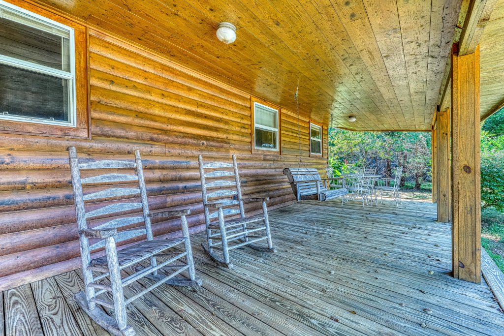 Photo of a Sevierville Cabin named Our Place - This is the twenty-first photo in the set.