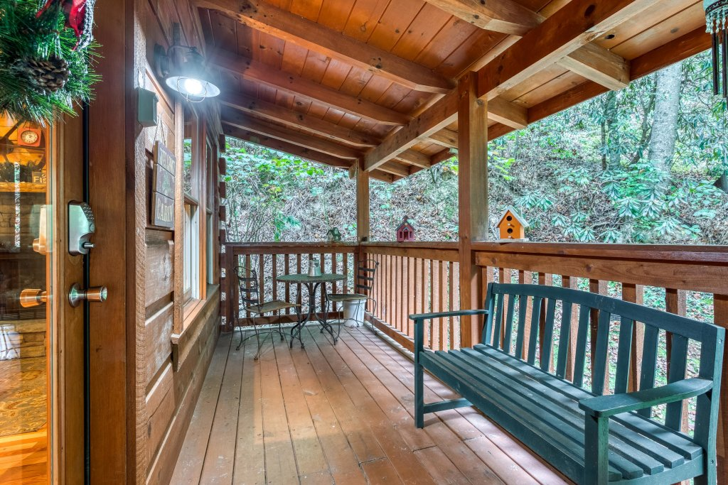 Photo of a Sevierville Cabin named Wild At Heart - This is the second photo in the set.
