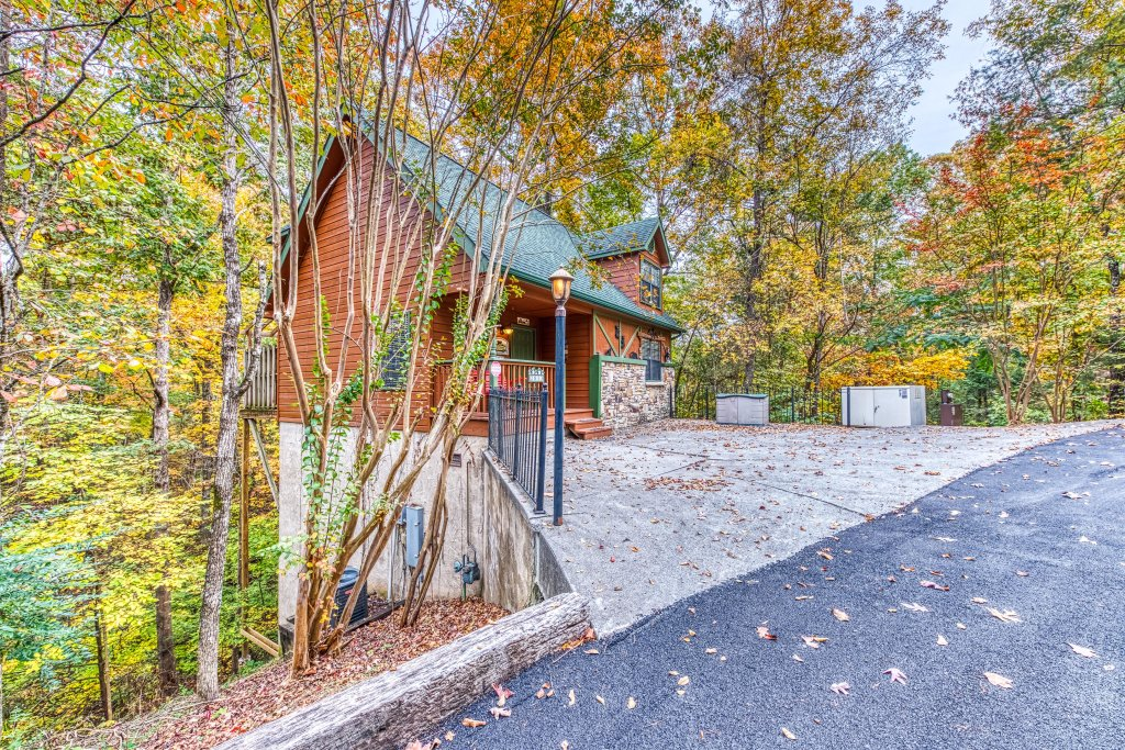 Photo of a Pigeon Forge Cabin named Gateway To The Smokies - This is the thirty-first photo in the set.