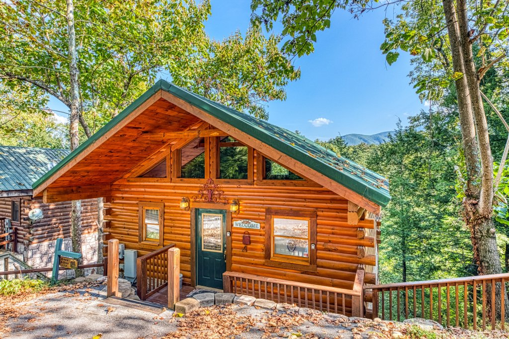 Photo of a Gatlinburg Cabin named Ever After - This is the first photo in the set.