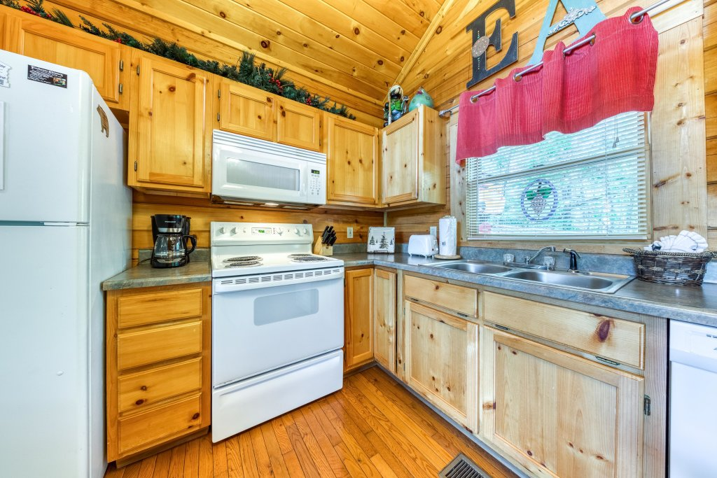 Photo of a Gatlinburg Cabin named Ever After - This is the twelfth photo in the set.