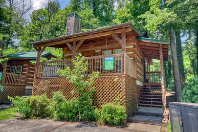 Downtown Gatlinburg's Amazing Romantic Retreat Log Cabin. Reserve Today!