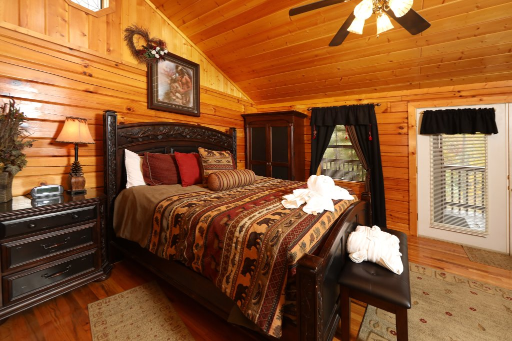 Photo of a Pigeon Forge Cabin named Cherokee Nights #132 - This is the eighth photo in the set.