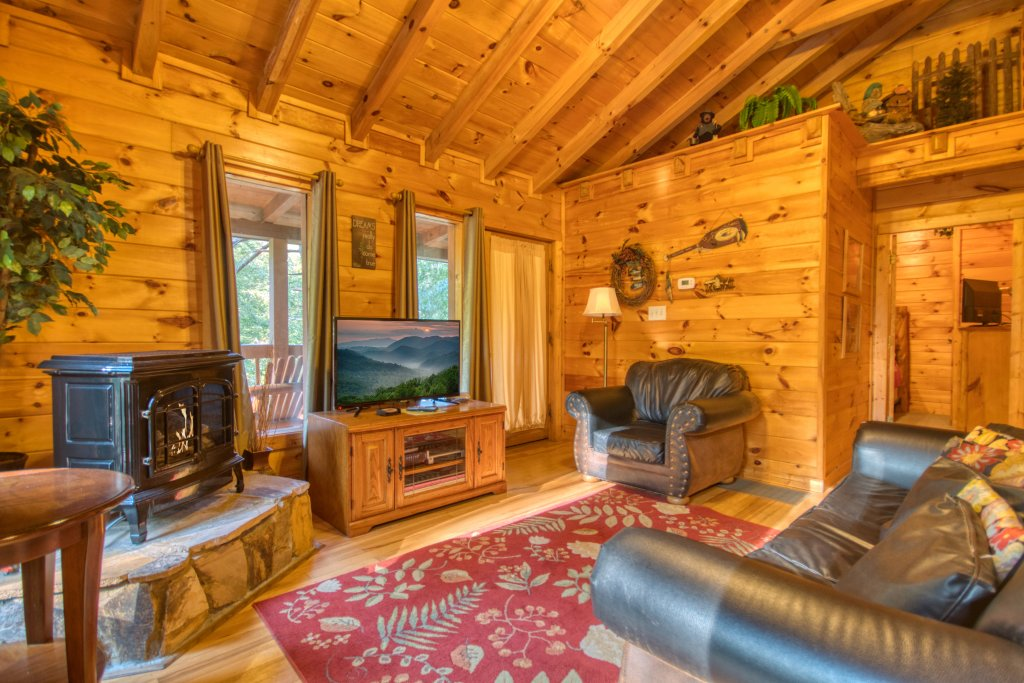 Photo of a Sevierville Cabin named Whispering Waters #208 - This is the fifth photo in the set.