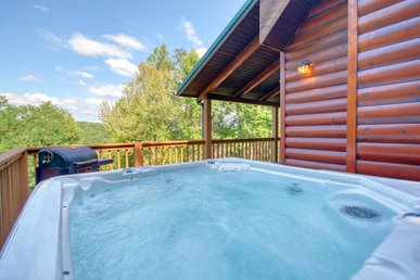 Gatlinburg Private Lodge With Game Room, Wifi, Video Arcade, & Large Hot Tub