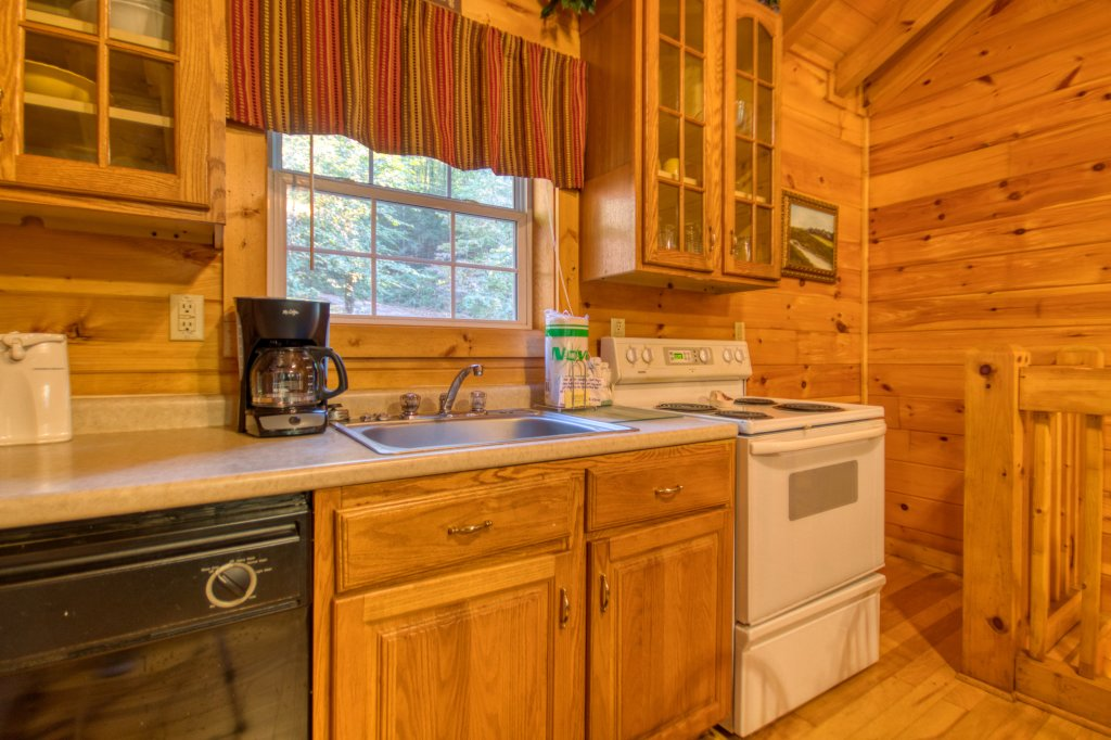 Photo of a Sevierville Cabin named Whispering Waters #208 - This is the ninth photo in the set.