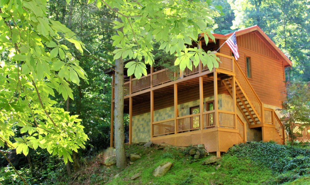 Photo of a Sevierville Cabin named Whispering Waters #208 - This is the second photo in the set.