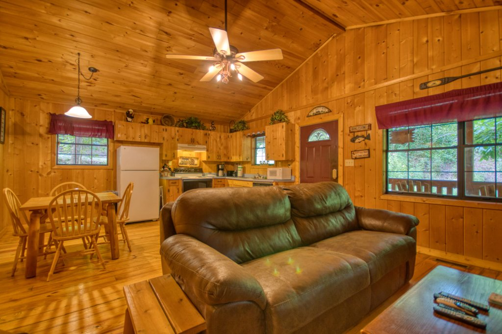 Photo of a Gatlinburg Cabin named Secret Hideaway #195 - This is the fifth photo in the set.
