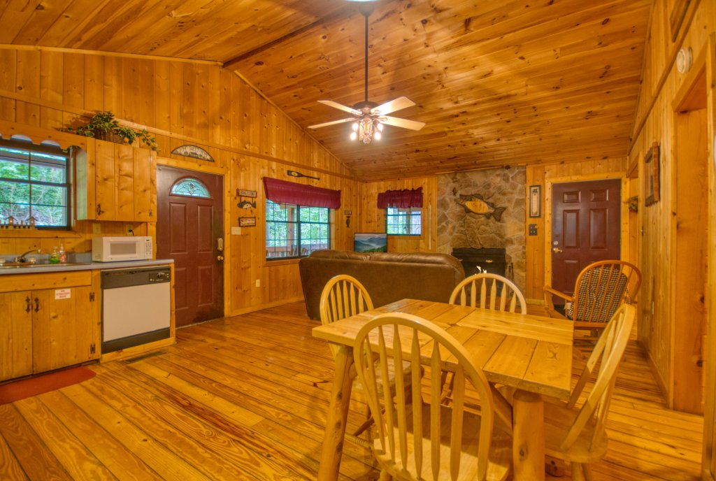 Photo of a Gatlinburg Cabin named Secret Hideaway #195 - This is the eighth photo in the set.