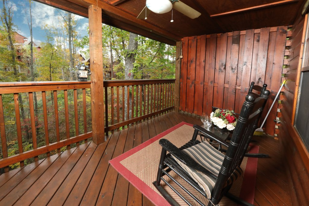 Photo of a Pigeon Forge Cabin named Cherokee Nights #132 - This is the nineteenth photo in the set.