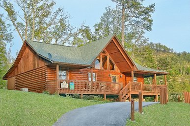 Smoky Mountain 2 Br Log Cabin With Pool Access, Pool Table, Near Dollywood