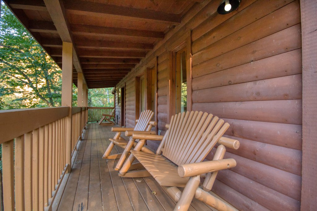 Photo of a Sevierville Cabin named Whispering Waters #208 - This is the seventeenth photo in the set.