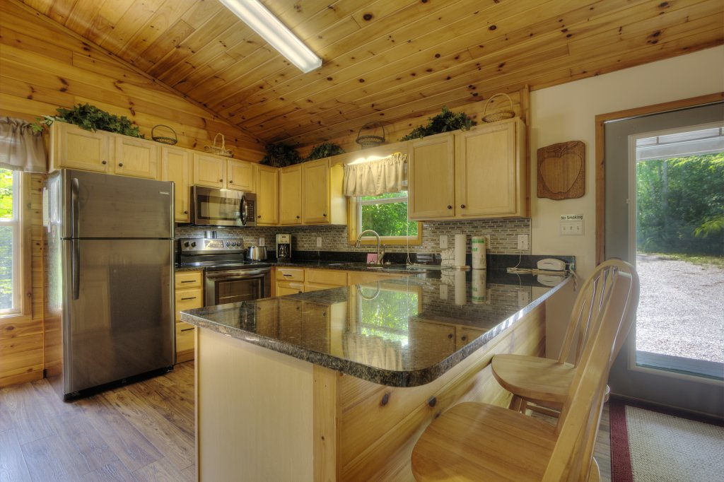 Photo of a Pigeon Forge Cabin named River Sounds #121 - This is the fifth photo in the set.