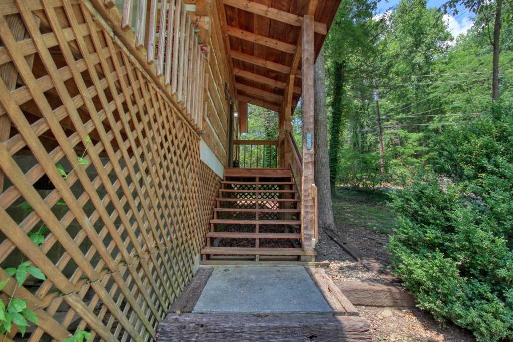 Photo of a Gatlinburg Cabin named Cuddle Inn #1529 - This is the nineteenth photo in the set.