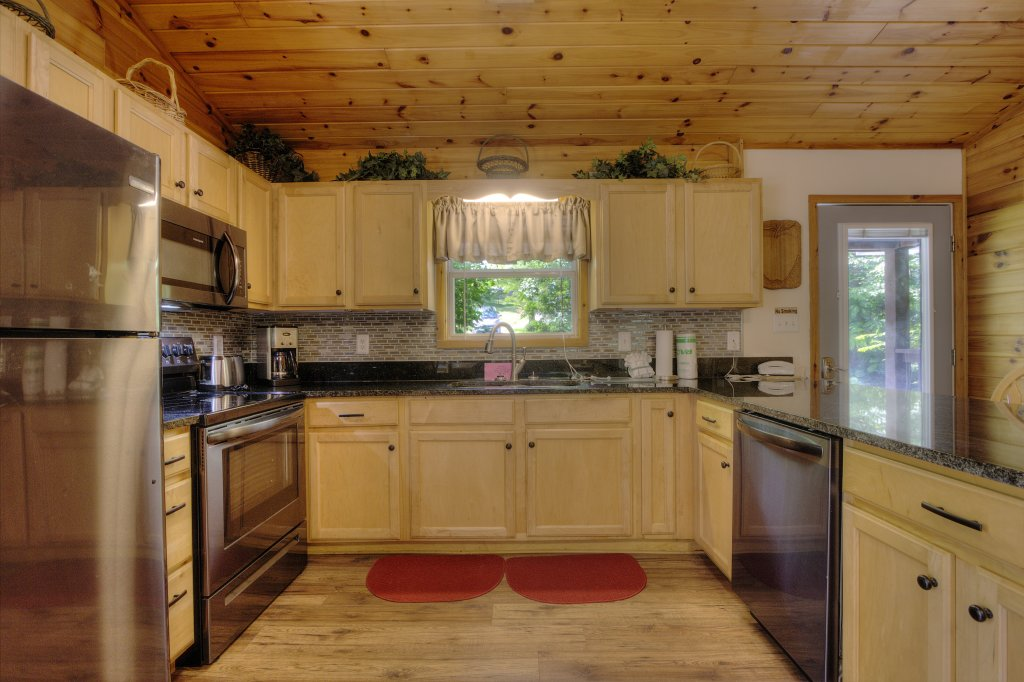 Photo of a Pigeon Forge Cabin named River Sounds #121 - This is the eighth photo in the set.