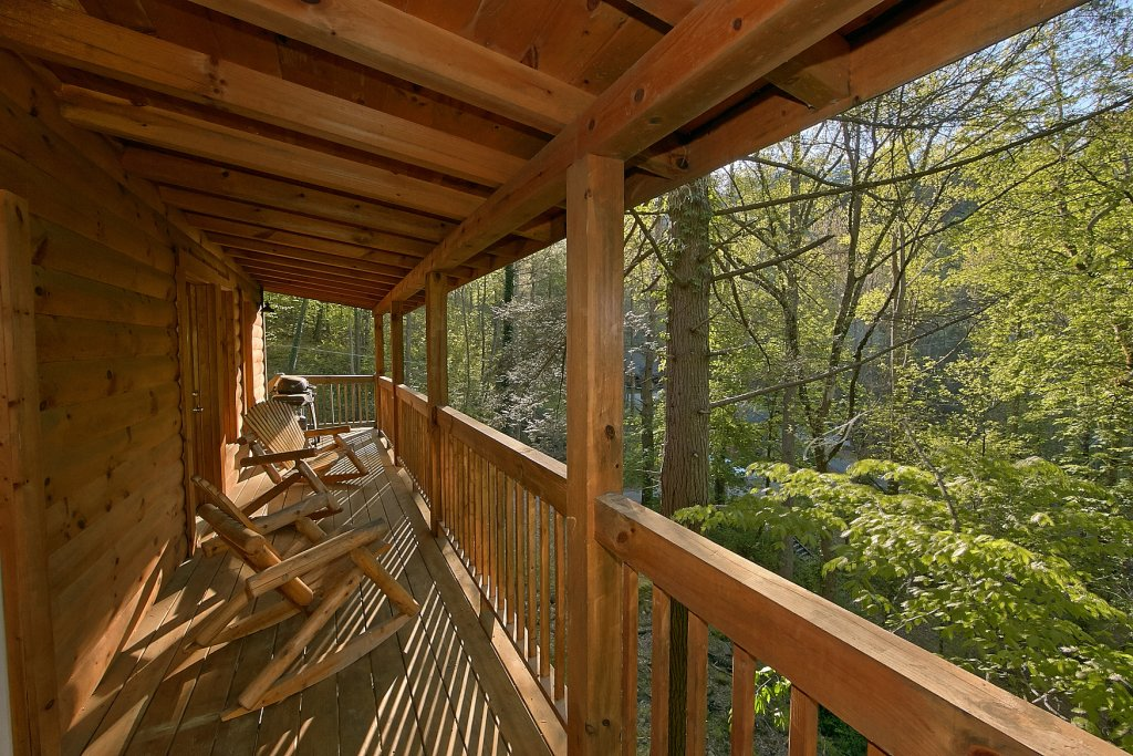 Photo of a Sevierville Cabin named Whispering Waters #208 - This is the twenty-eighth photo in the set.