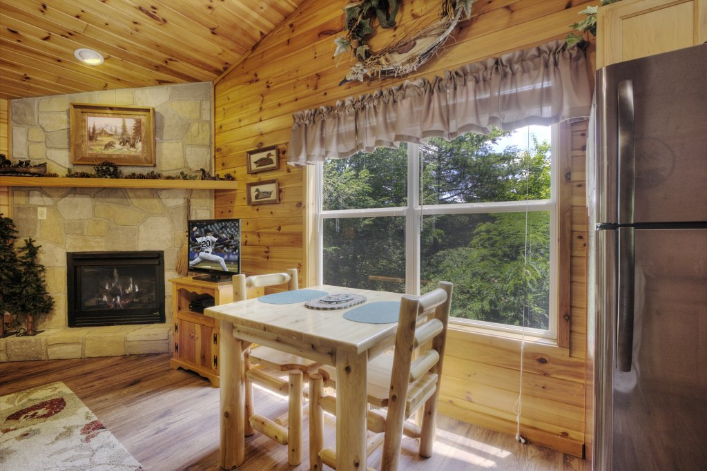 Photo of a Pigeon Forge Cabin named River Sounds #121 - This is the tenth photo in the set.