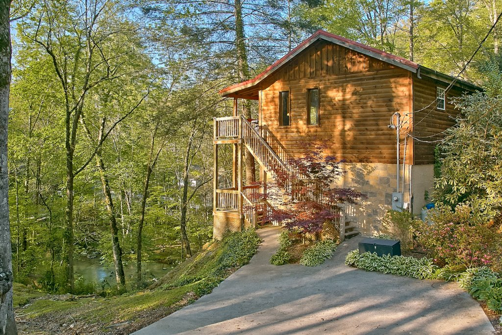 Photo of a Sevierville Cabin named Whispering Waters #208 - This is the thirty-fifth photo in the set.
