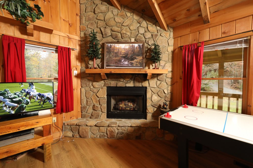 Photo of a Pigeon Forge Cabin named Creekside Tranquility #365 - This is the fifth photo in the set.