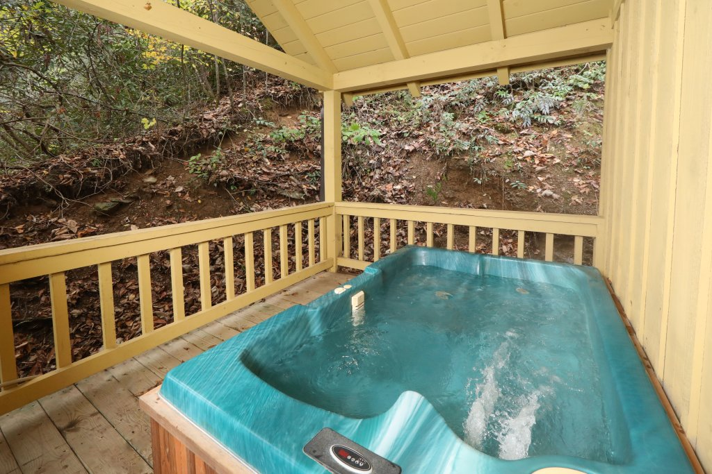 Photo of a Pigeon Forge Cabin named Creekside Tranquility #365 - This is the sixth photo in the set.