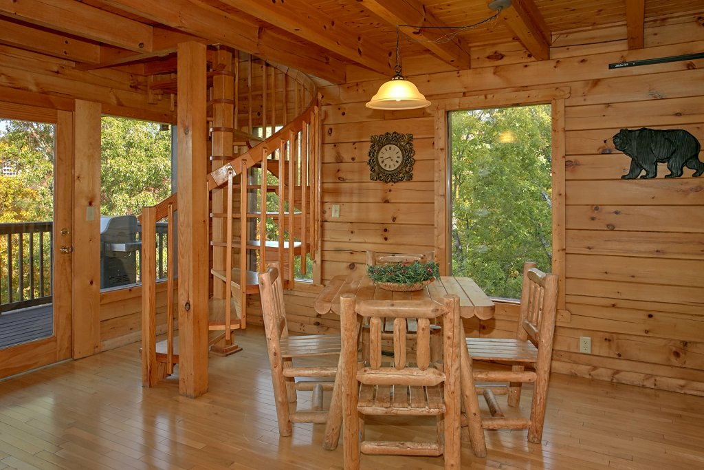 Photo of a Pigeon Forge Cabin named Evening View #133 - This is the fifth photo in the set.