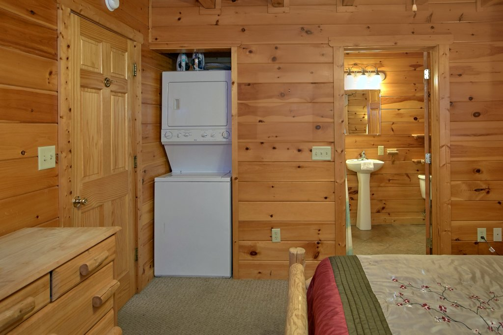 Photo of a Pigeon Forge Cabin named Evening View #133 - This is the thirteenth photo in the set.
