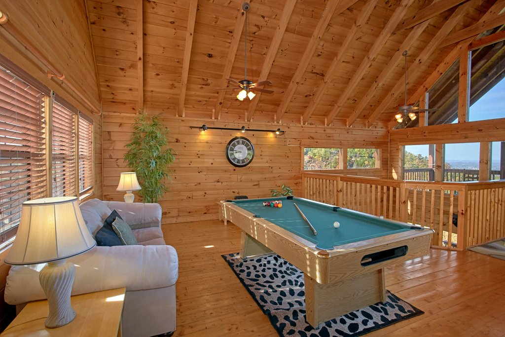 Photo of a Pigeon Forge Cabin named Evening View #133 - This is the seventeenth photo in the set.