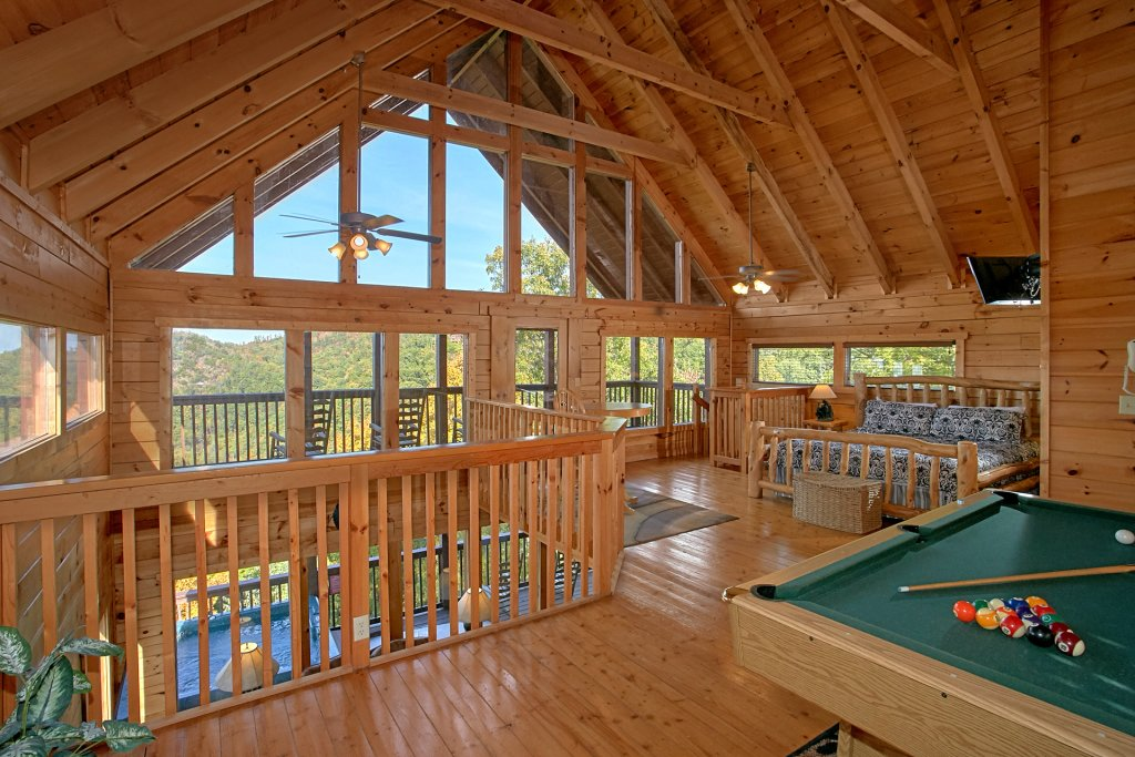 Photo of a Pigeon Forge Cabin named Evening View #133 - This is the twenty-second photo in the set.