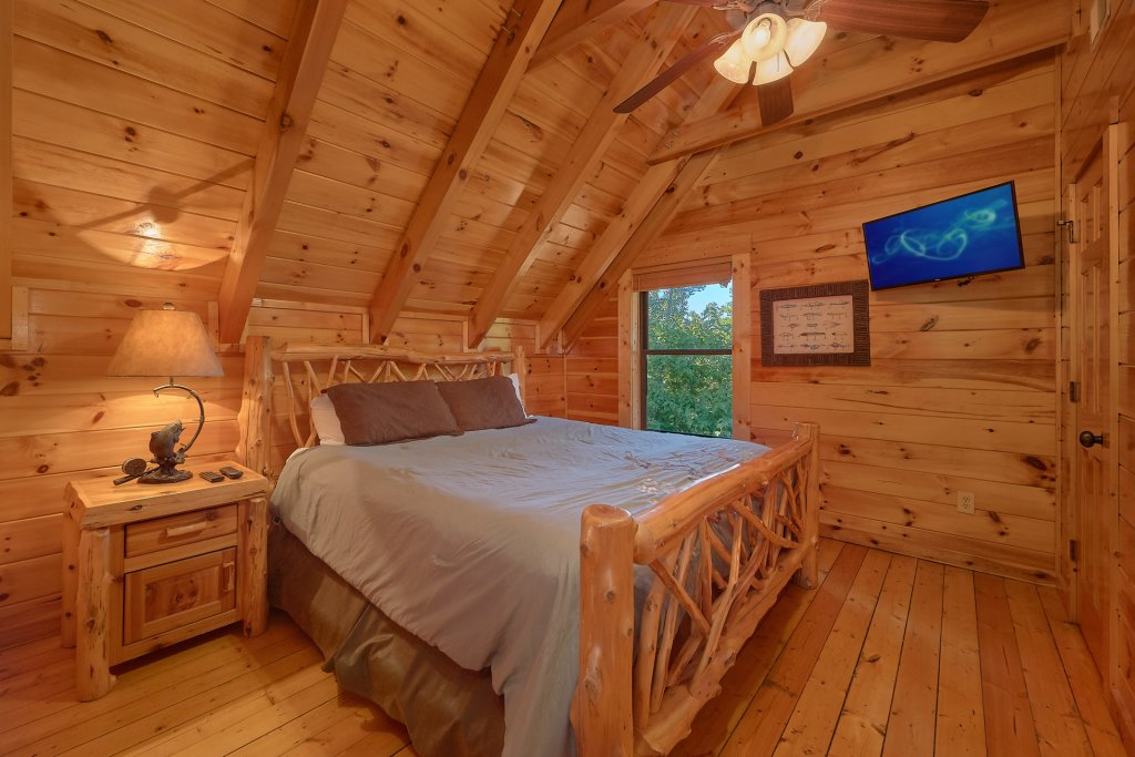 Photo of a Gatlinburg Cabin named Buckwild - This is the twenty-fourth photo in the set.