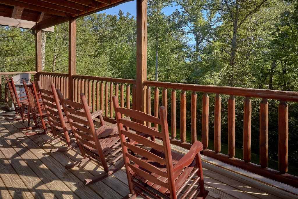 Photo of a Gatlinburg Cabin named Buckwild - This is the fourth photo in the set.