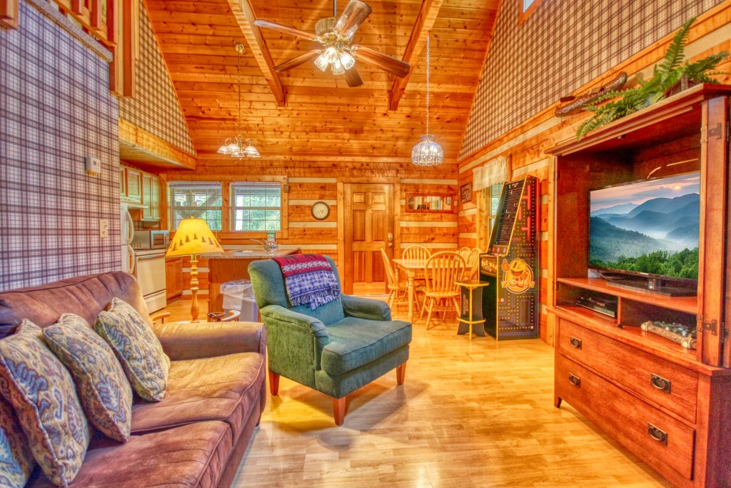 Photo of a Gatlinburg Cabin named Angler's Perch #2523 - This is the seventh photo in the set.
