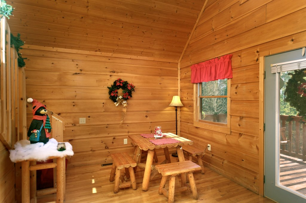 Photo of a Gatlinburg Cabin named Always Misbehavin #1412 - This is the fourteenth photo in the set.