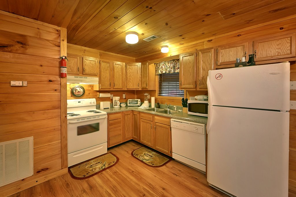 Photo of a Sevierville Cabin named Private Paradise #2810 - This is the fourteenth photo in the set.