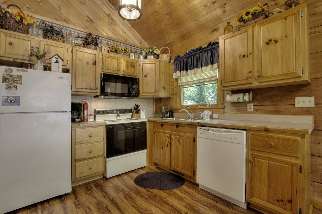Photo of a Sevierville Cabin named Americana #115 - This is the fifteenth photo in the set.