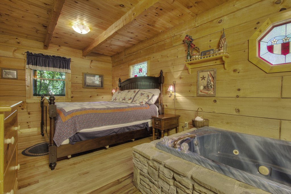 Photo of a Sevierville Cabin named Americana #115 - This is the seventeenth photo in the set.