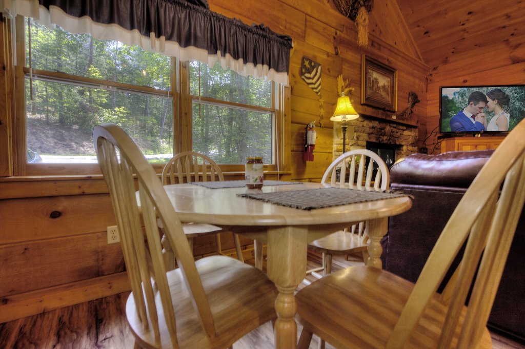 Photo of a Sevierville Cabin named Americana #115 - This is the seventh photo in the set.