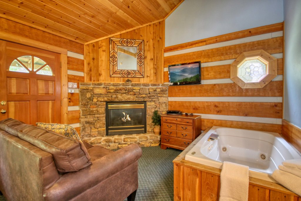 Photo of a Gatlinburg Cabin named Dream Weaver #1527 - This is the fifth photo in the set.