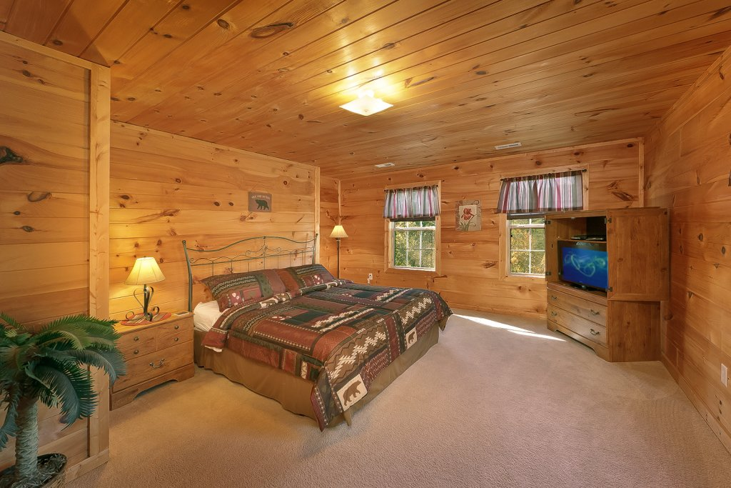 Photo of a Sevierville Cabin named Private Paradise #2810 - This is the twentieth photo in the set.