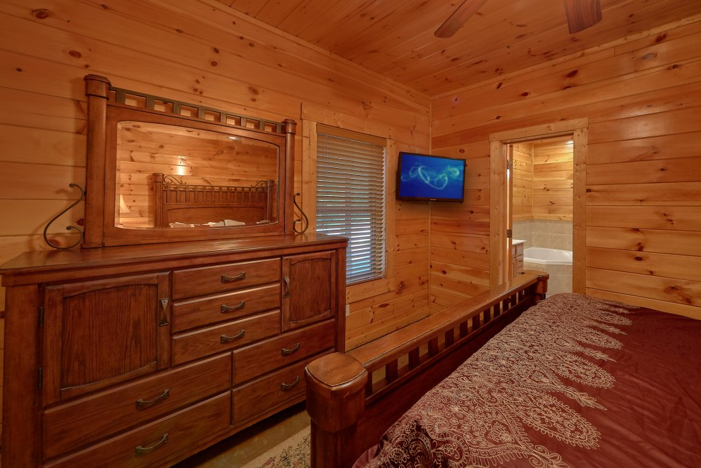 Photo of a Gatlinburg Cabin named Buckwild - This is the twenty-third photo in the set.