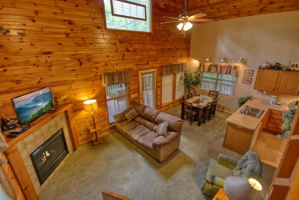 Photo of a Gatlinburg Cabin named Mountain Hideaway #338 - This is the seventeenth photo in the set.