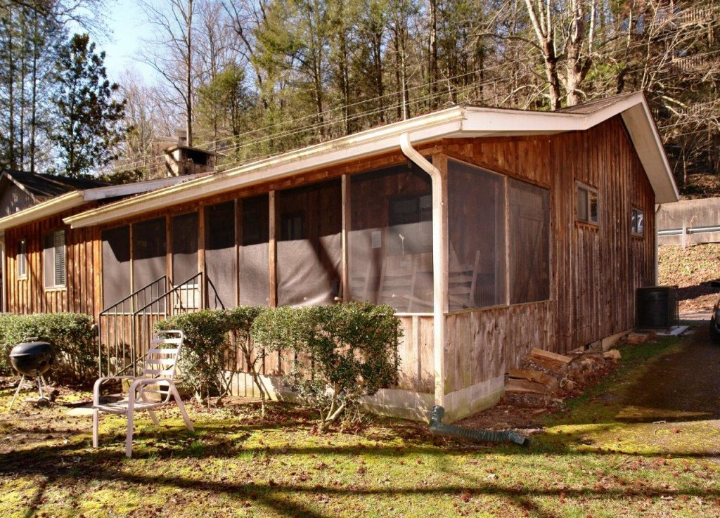 Photo of a Gatlinburg Cabin named Bear Cabin #462 - This is the twenty-third photo in the set.