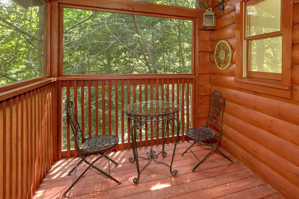 Photo of a Pigeon Forge Cabin named Romantic Hideaway #126 - This is the eleventh photo in the set.