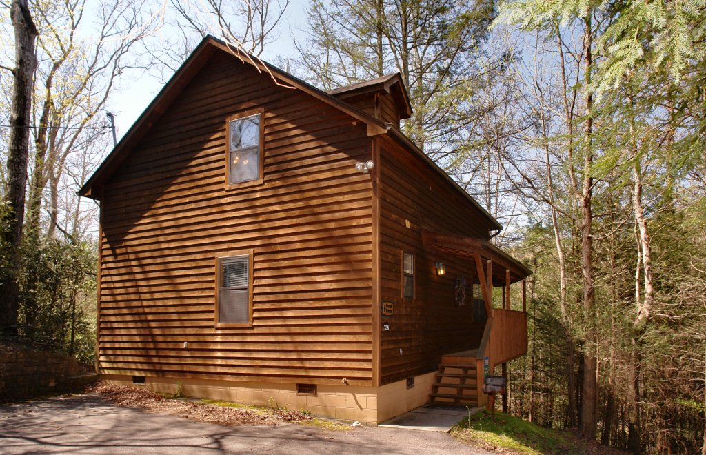 Photo of a Gatlinburg Cabin named Mountain Hideaway #338 - This is the twenty-fifth photo in the set.