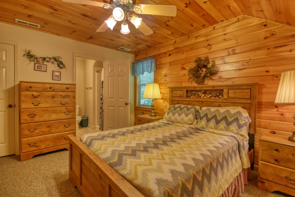 Photo of a Gatlinburg Cabin named Mountain Hideaway #338 - This is the twentieth photo in the set.